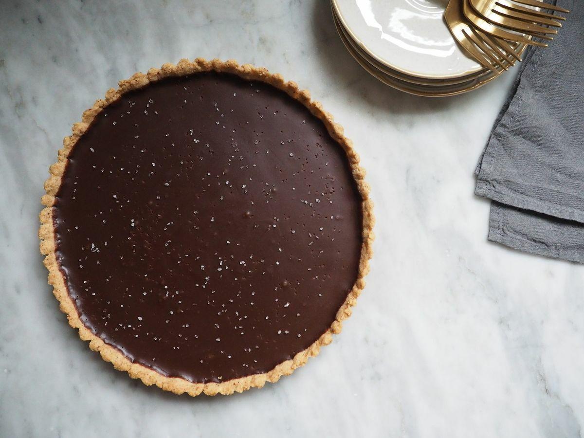 Karamellás-diós-csokis pite